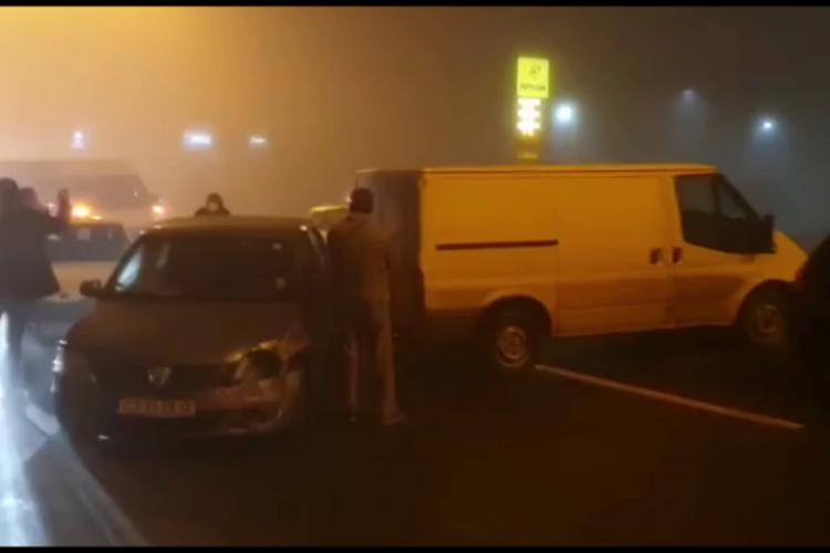 Cinci accidente pe Calea Turzii. 13 mașini implicate. Firma de deszăpezire a fost amendată