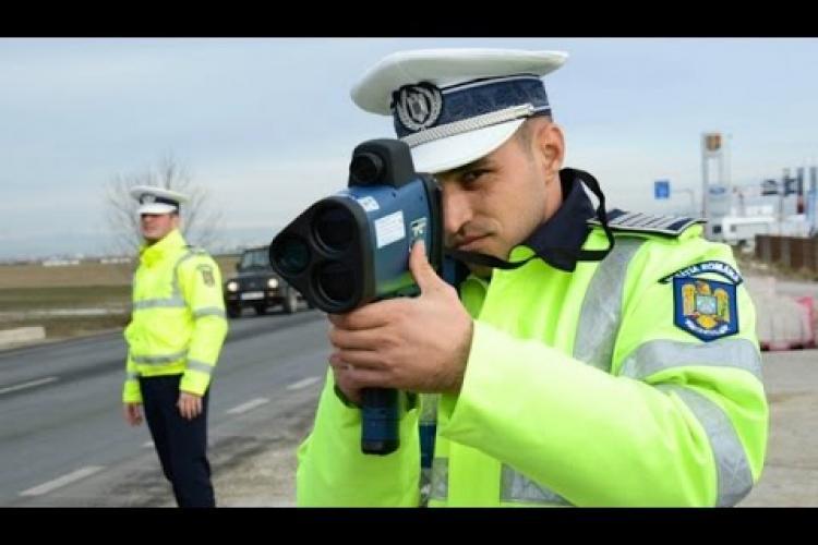 Polițiști clujeni s-au pus cu radarul pe tronsonul de drum Baciu - Topa Mică și au dat 40 de amenzi
