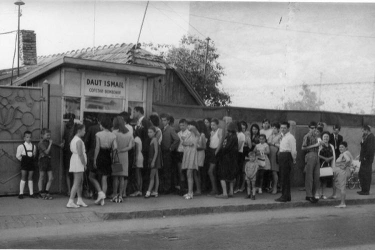 Cofetarul din Clujul vechi, anii 60 - 75, care a făcut ravagii cu înghețata produsă de el - FOTO