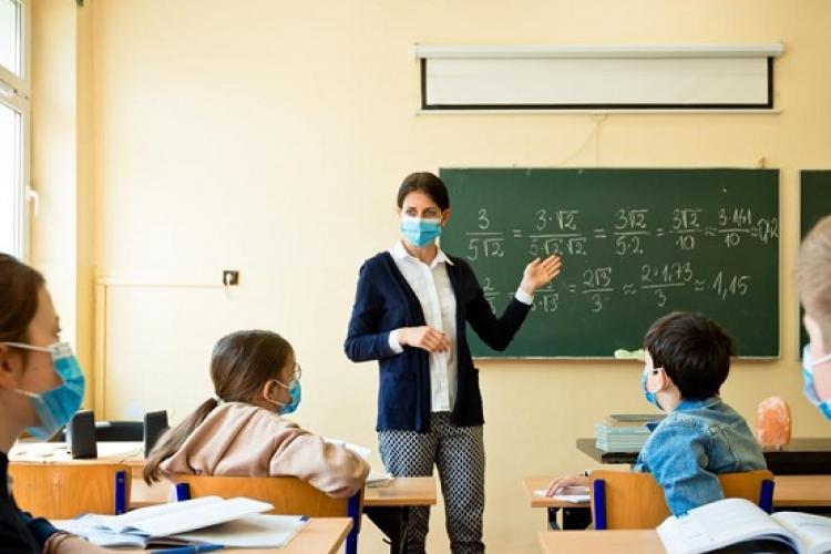 Aproape jumătate dintre profesorii clujeni nu vor să se vaccineze