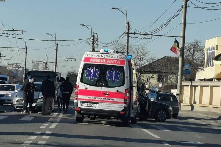 Accident pe Traian Vuia cu trei mașini implicate - FOTO