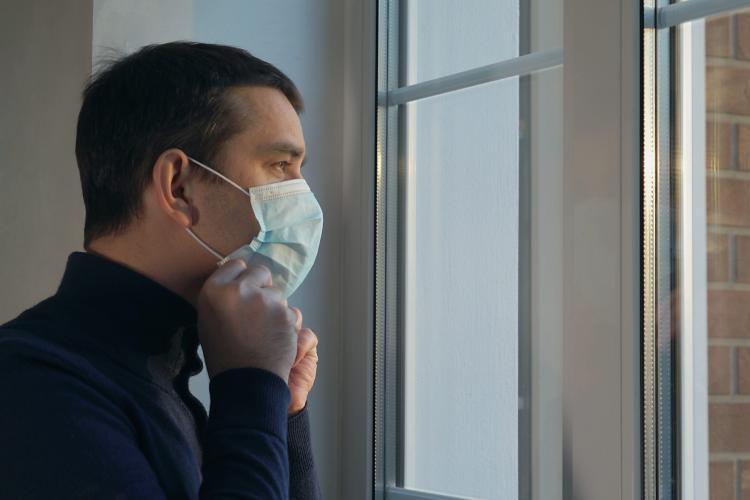 """Motivul pentru care cei care fac vaccinul anti-COVID trebuie să poarte în continuare mască. """"Masca va fi  obligatorie categoric până în 2022"""""""