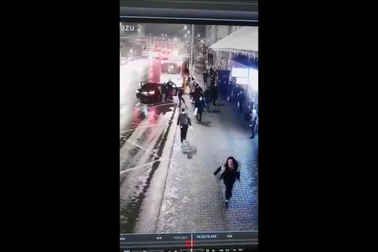 VIDEO - Rapire la Cluj - Fată de 15 ani răpită în centrul Clujului