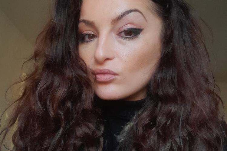Cine e tânăra care sinucis la Cluj cu câteva ore înainte de Revelion. A lăsat și un mesaj prietenilor - FOTO