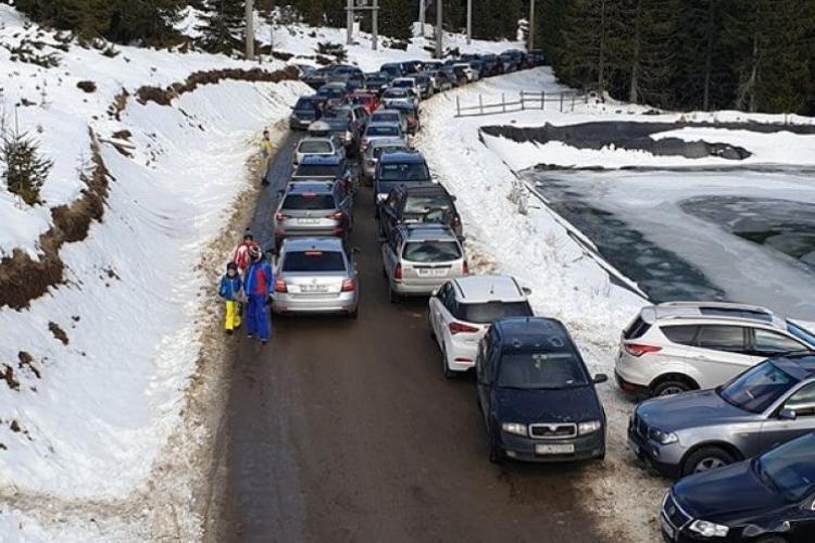 Primarul din Băișoara, Liviu Ghib, despre haosul rutier de la Buscat: Spuneau că au 300 de locuri de parcare și au 40