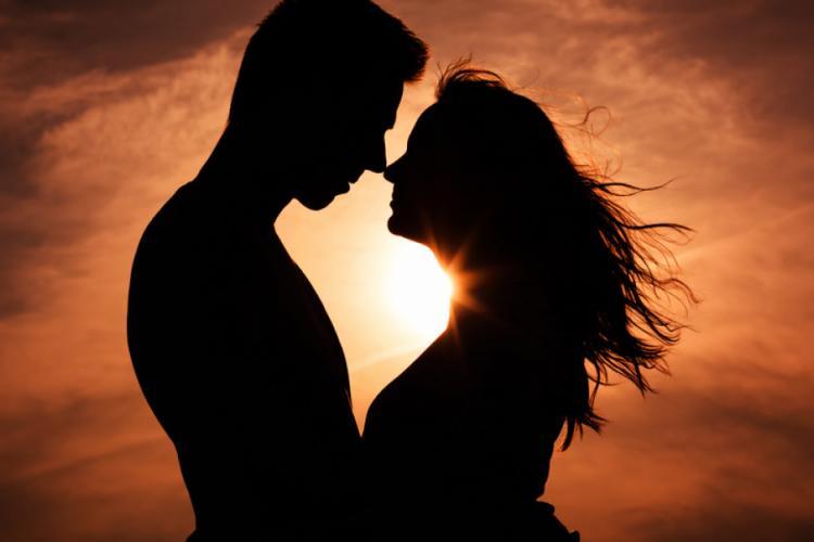 Zodiac Vărsător: Cum cucerești inima unui vărsător