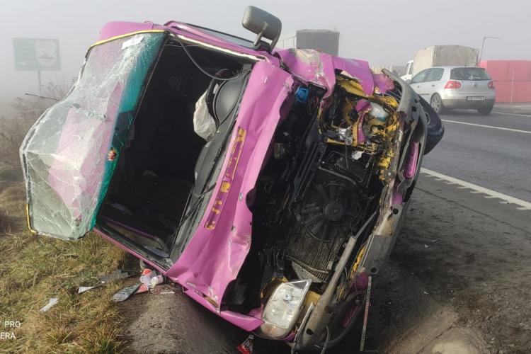 Sibiu: Accident cu trei autoturisme la Avrig, pe DN1. Între răniți este și o gravidă