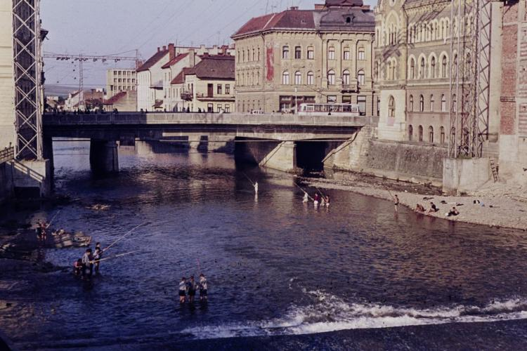Clujul oamenilor relaxați! Imagine cu Podul Horea din 1969 - FOTO