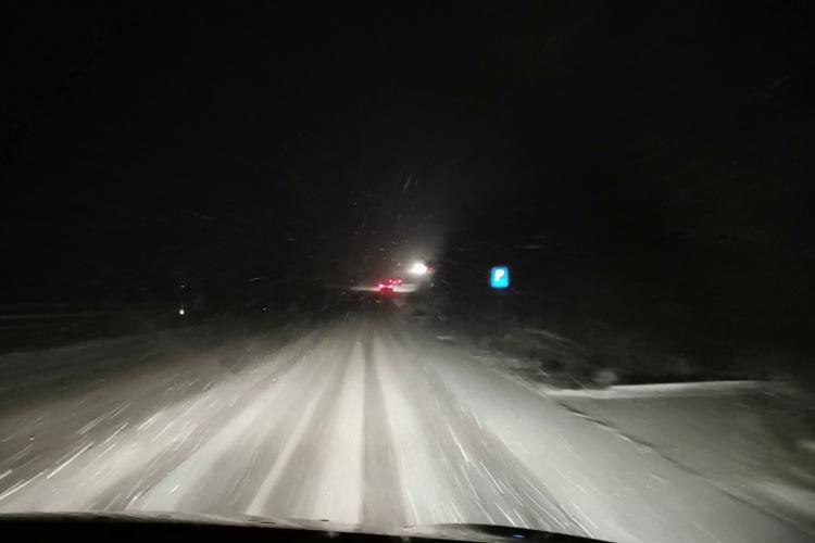 Circulație în condiții de iarnă pe drumul Dej - Baia Mare - VIDEO