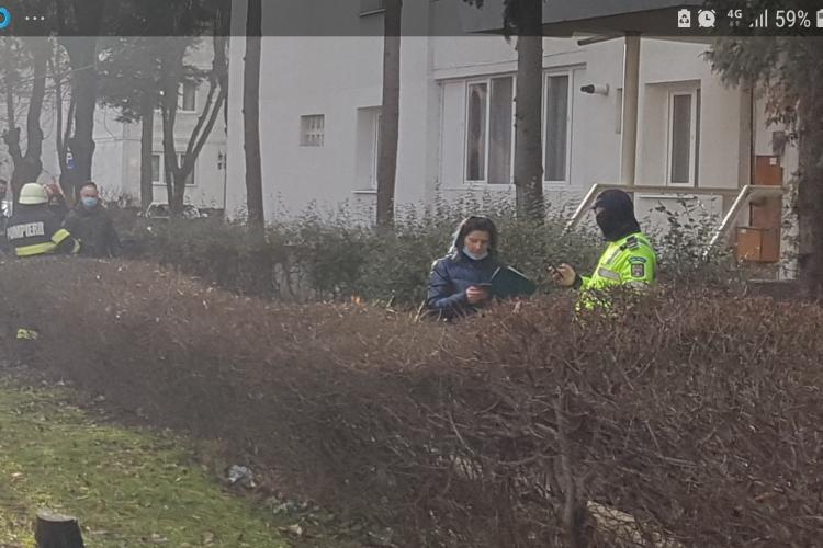 Tupeu de polițista la Cluj? Nu poartă masca pentru că nu o aude cetățeanul - FOTO