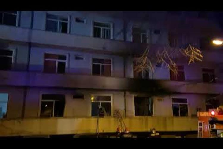 Incendiu la Matei Balș. Pacientul care a sunat la 112 a sărit pe geam ca să se salveze. Ce a povestit