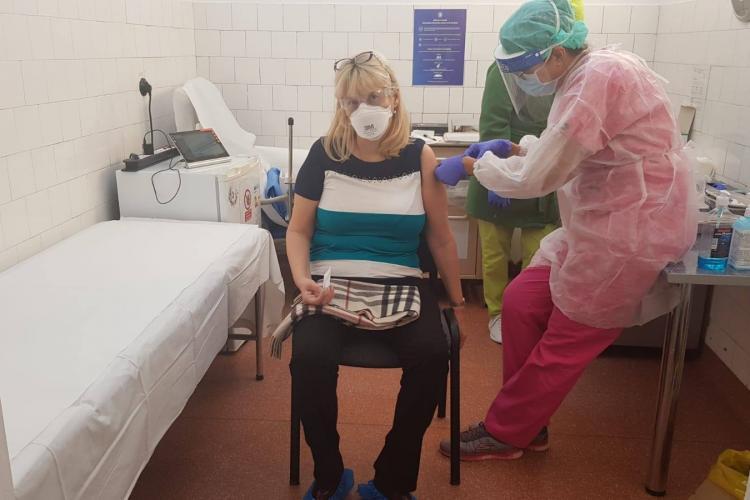 Rectorul UMF Cluj s-a vaccinat! Ce mesaj a transmis
