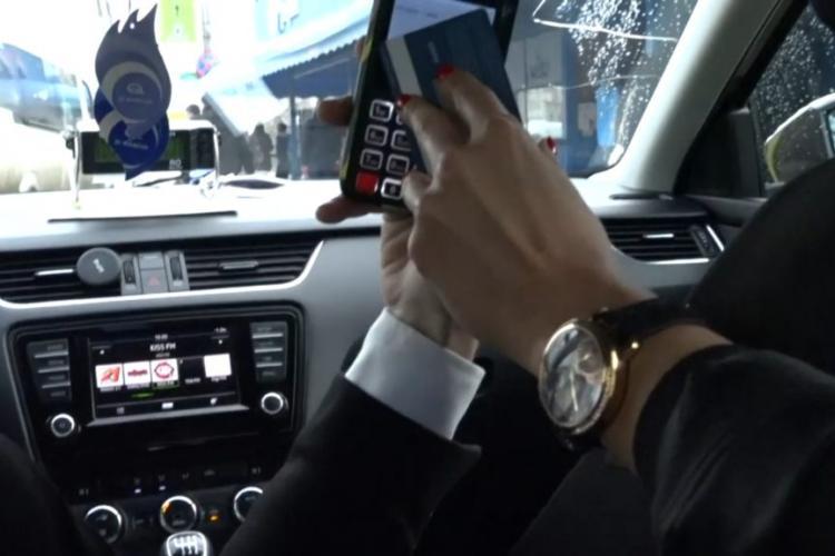 Nu toate taximetrele din Cluj au POS -uri pentru plata cu cardul. Termenul limită e martie 2021