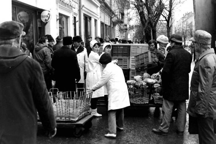 Experiența unei fotografe din Occident în Clujul anilor 1987: Ascultau ce vorbim, hrana era greu de găsit, dar era ALCOOL în neștire
