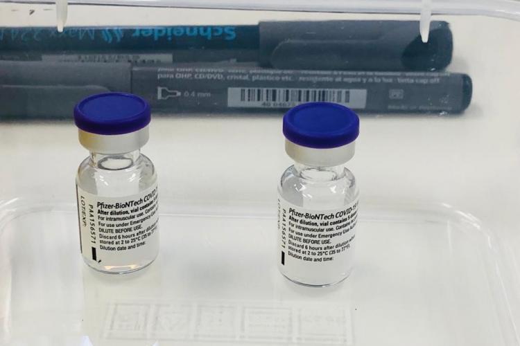 Clujul primește noi doze de vaccin Pfizer