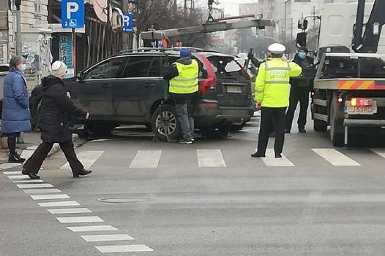 Șmecher de Cluj! I-au ridicat mașina în Piața Avram Iancu - FOTO