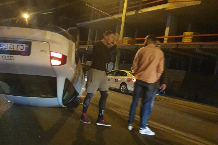O mașină s-a dat peste cap în Gheorgheni, pe Teodor Mihali, lângă Bella Bike - FOTO