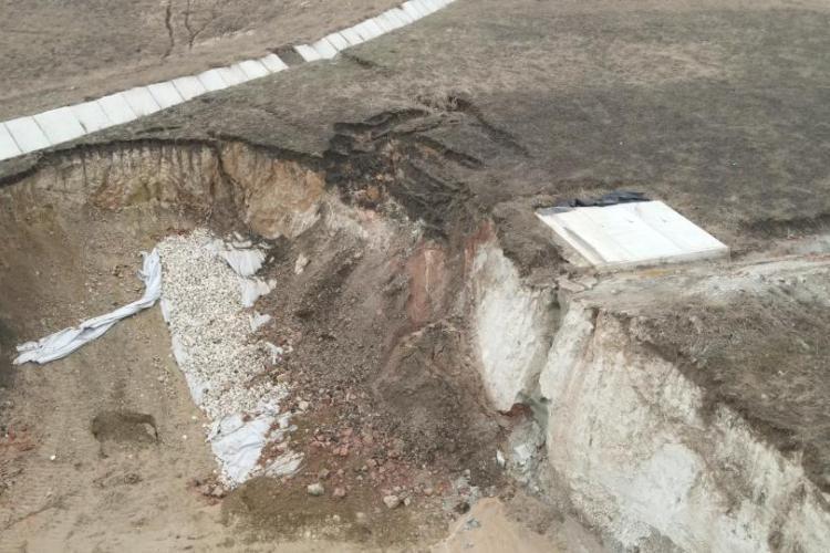 Alunecări de teren pe Autostrada A10 Sebeș - Turda - VIDEO