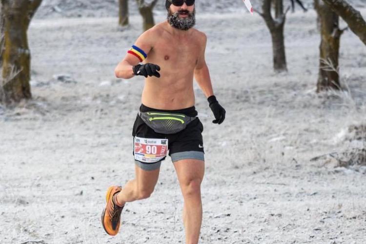 Alergătorul la bustul gol nu a renunțat la sport! El promovează mișcarea chiar și la -20 de grade Celsius - FOTO