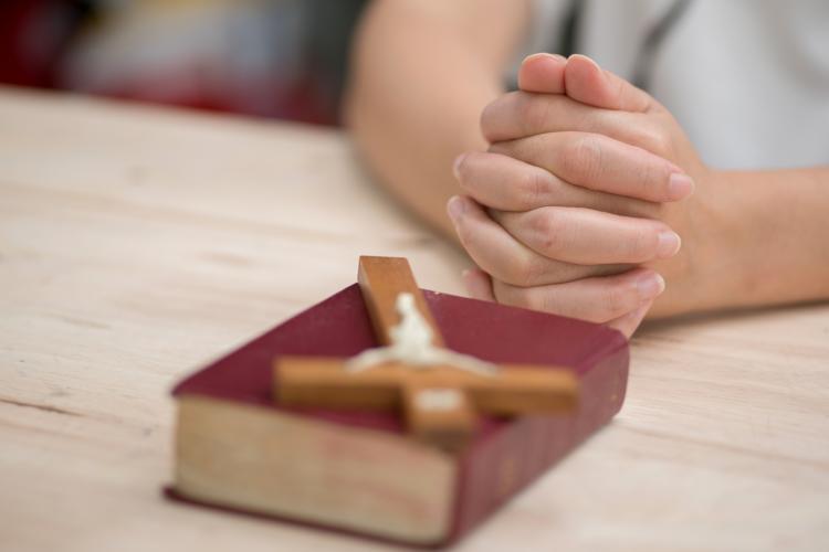 Patriarhia nu vrea să se reducă orele de religie în învăţământul preuniversitar