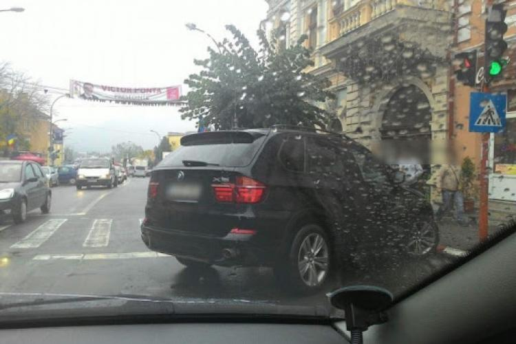 Boc declară război bombardierilor și mărește prețurile de parcare în centru
