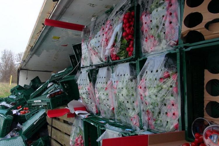 Camion cu legume răsturnat în Covasna