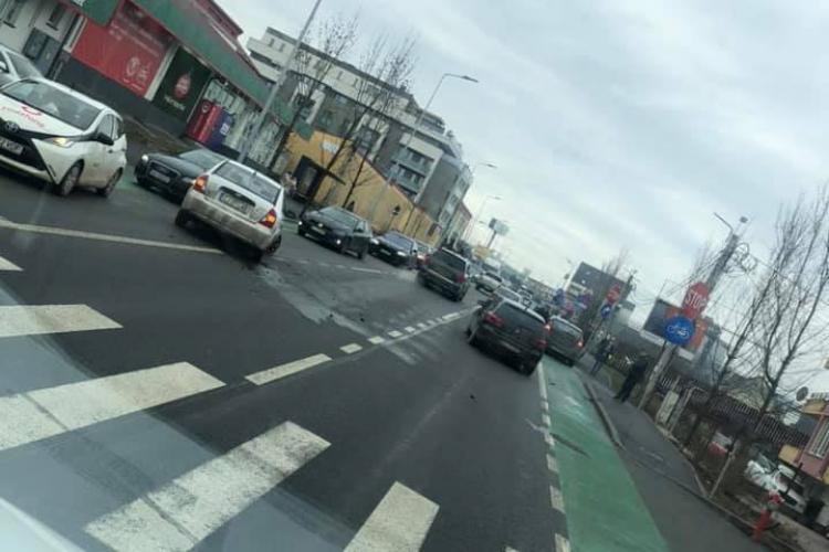 Accident pe strada Bună Ziua - FOTO