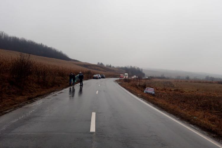 Accident la Târnăveni! Mașinile au sărit ca niște popice de pe drum - FOTO