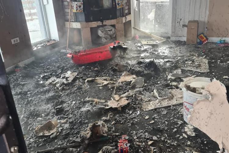 Chinteniul se adună pentru a ajuta familia rămasă fără casă în urma unui incendiu - FOTO