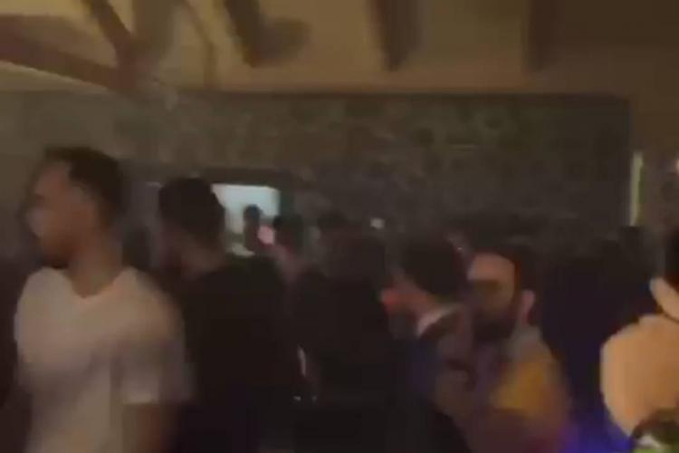 Petrecere la Someșul Rece cu bombardieri și dive de Sfântul Valentin - VIDEO