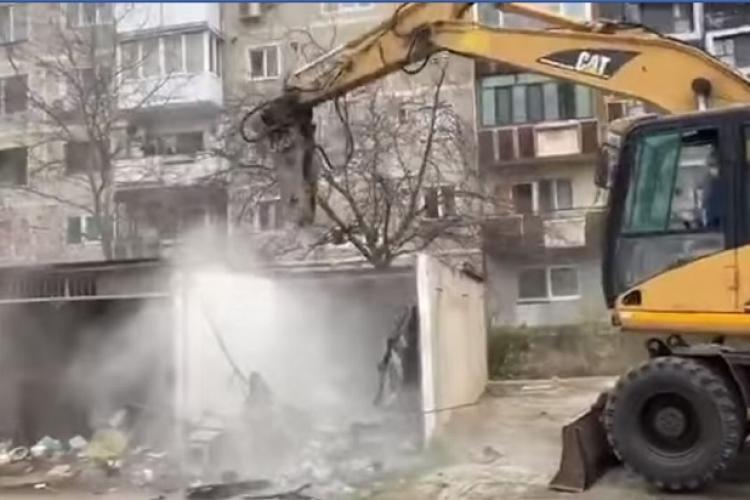 Începe demolarea garajelor în Grigorescu și Mănăștur. Somațiile s-au trimis către oameni