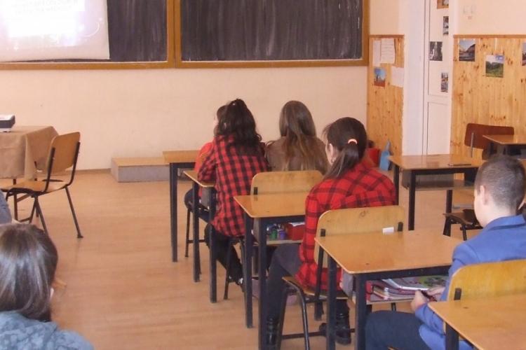 Toți copiii din Turda și Câmpia Turzii merg la școală de luni. Nimeni nu stă acasă