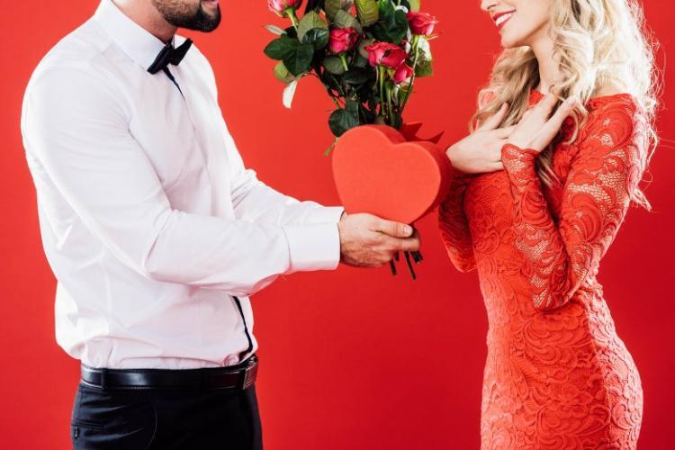 Ce cadouri să cumperi de Ziua Îndrăgostiților? Idei bune și idei proaste de cadou