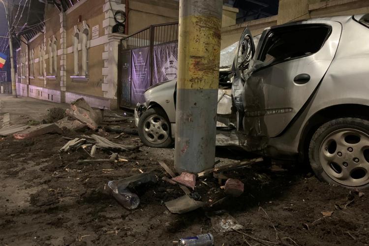 Accident la Fabrica de Bere. Mașinile au ajuns pe trotuar - FOTO