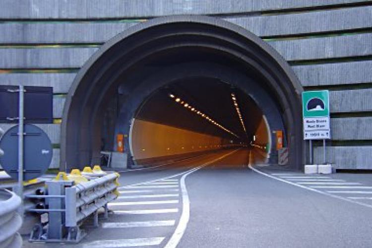 Bătălie pe miliardul de euro pentru construirea tunelului pe sub Meseș, parte din Autostrada Transilvania