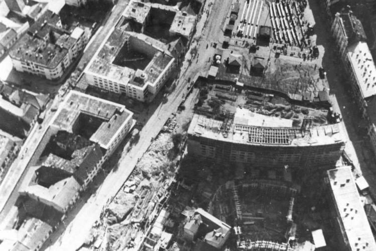Șantier uriaș în 1950 la construirea blocului cu cinematograful Republica, actualmente Florin Piersic - FOTO