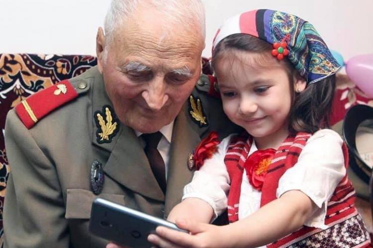 """#RoVaccinare: """"Cea mai vârstnică persoană programată 102 ani și 7 luni, iar cea mai tânără 15 ani și 11 luni"""" - FOTO"""