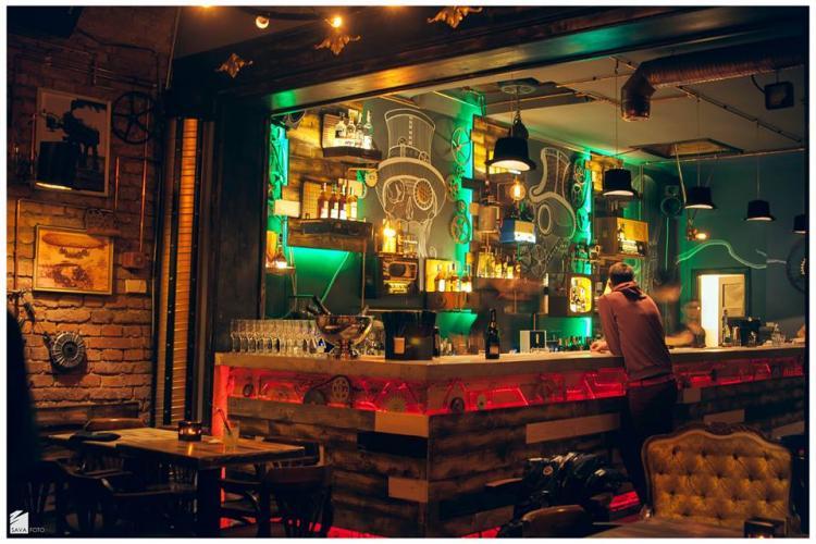 În Cluj-Napoca se închid barurile! Lista cu localitățile care au peste 3 cazuri la mie