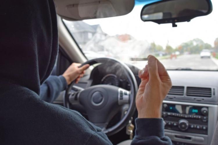 Drogații care au furat o mașină din Cluj au fost arestați