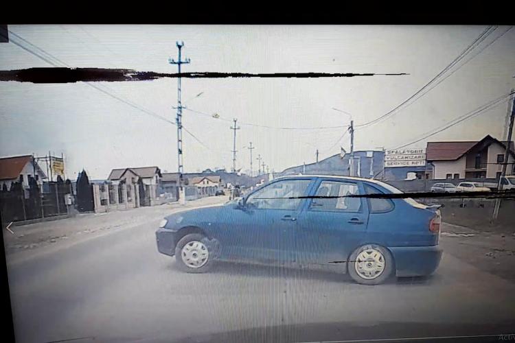 Cluj: Un bătrân de 72 de ani a fost lovit în plin. A întors fără să se asigure, în mijlocul drumului - VIDEO cu impactul