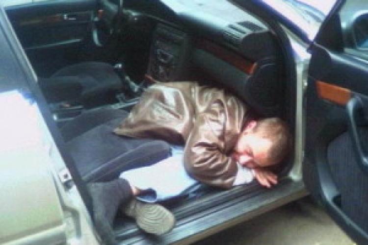 Bețiv cu tupeu în Florești. A fugit cu mașina pe care abia o conducea, dar până la urmă polițiștii l-au pus la punct