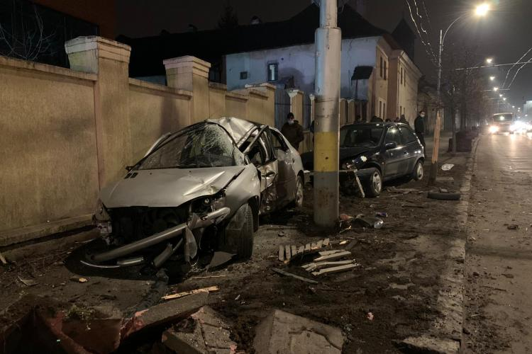 Accident pe strada Moților! O tânără a fost transportată la spital - FOTO