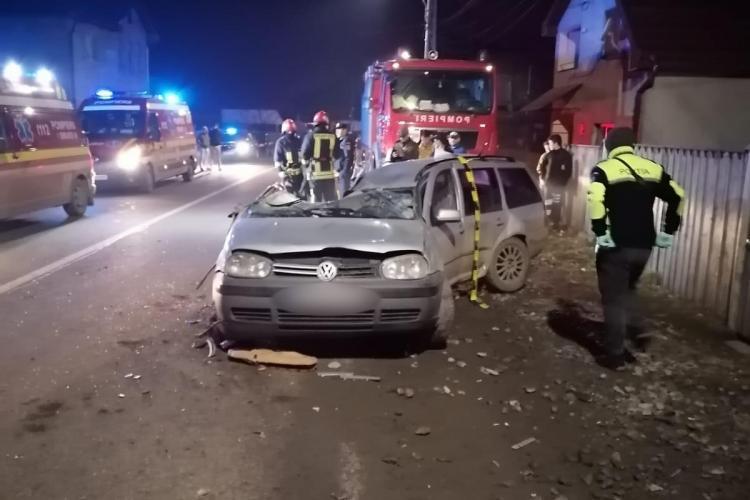 Mașină distrusă în ultimul hal în urma unui accident. O persoană a murit - FOTO și VIDEO