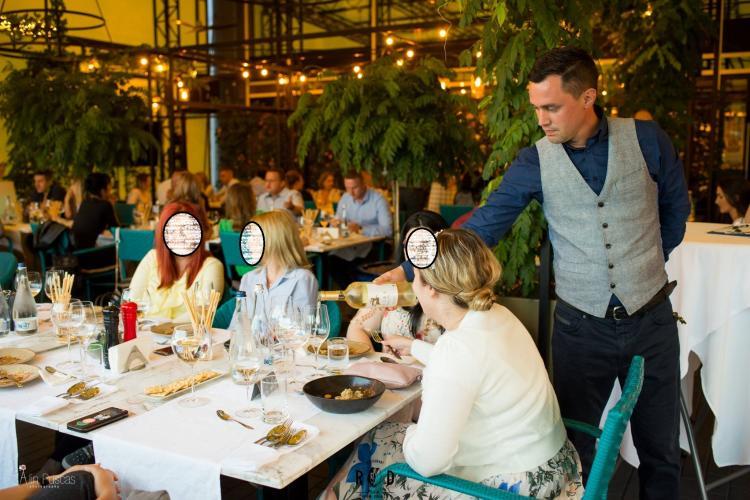 Restaurantul ROD, de pe Calea Turzii, amendat pentru că a transformat terasa în spațiu închis