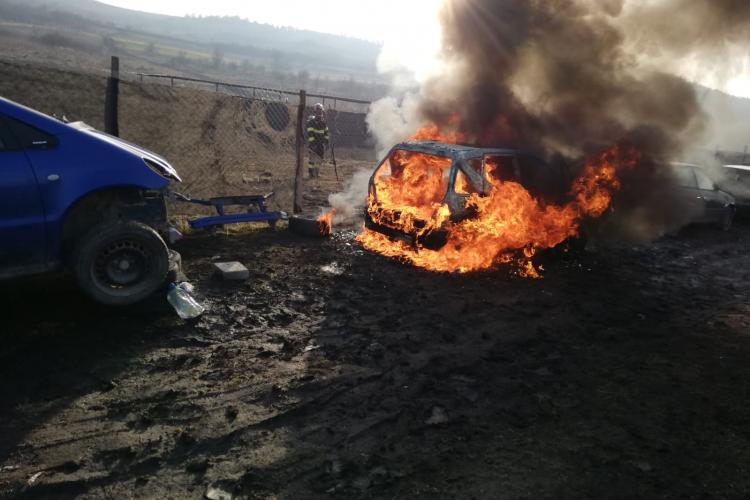 Incendiu auto in Florești, lângă strada Vidului - VIDEO SI FOTO