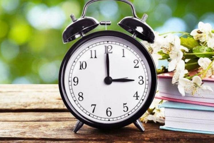 România rămâne la ora de vară din 2021? Ziua în care ceasurile se vor da înainte cu o oră