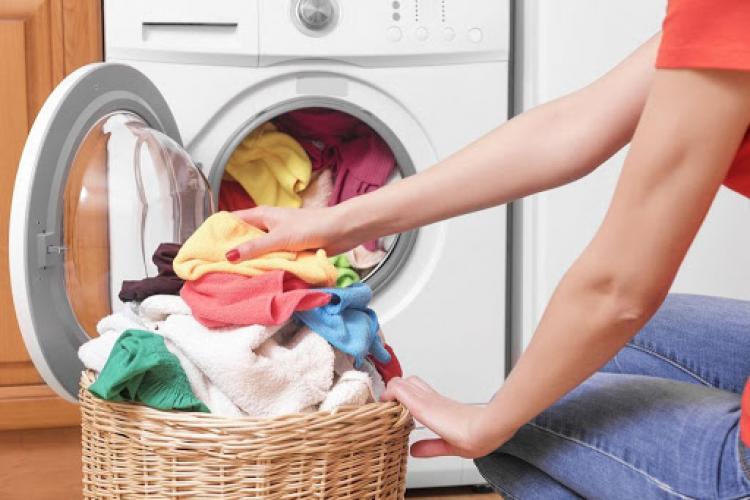 Greșelile banale care strică mașina de spălat. Este interzis să faci aceste lucruri