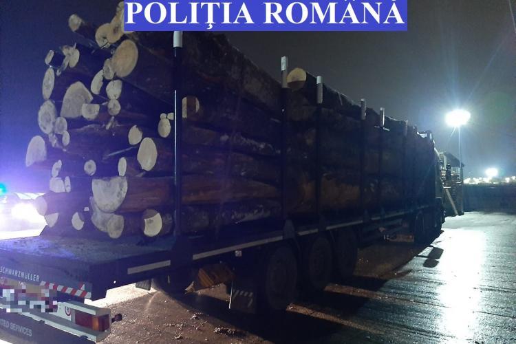 Partidul Diaspora Unită a urmărit cu CURAJ un TIR cu lemne furate la Cluj: De ce se fac avizele noaptea și se încarca tot noaptea?  - VIDEO