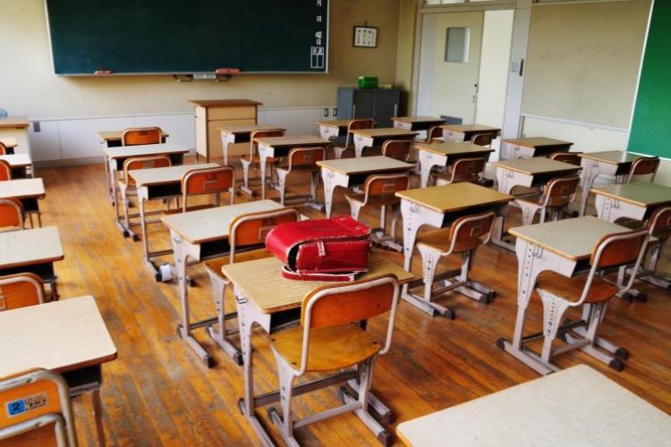 Curtea de Apel București a anulat toate hotărârile prin care școlile au fost închise în toată țara
