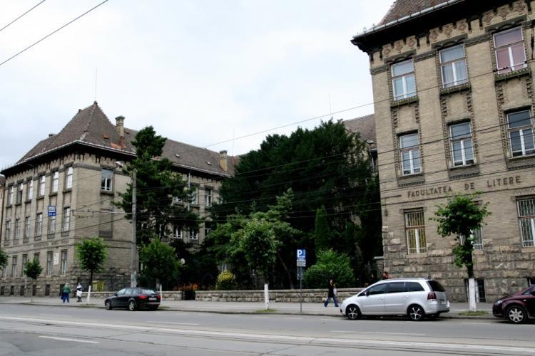 Clădirea Facultății de Litere din Cluj-Napoca, revendicată de Biserica Romano-Catolică